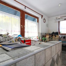 Eladó  családi ház (Leányfalu) 42 M  Ft