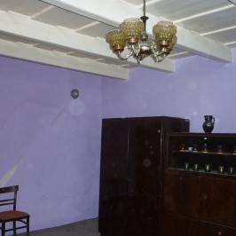 Eladó  családi ház (Szentlőrinckáta) 5,3 M  Ft
