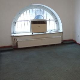Kiadó  üzlethelyiség utcai bejáratos (Budapest, V. kerület) 180 E  Ft/hó