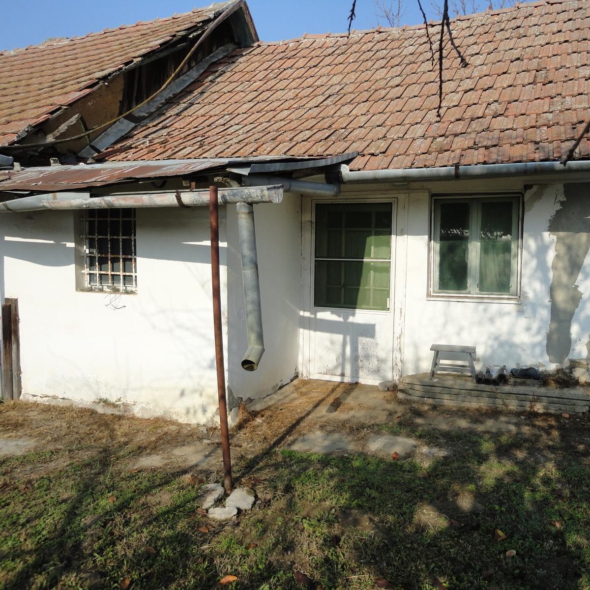 Eladó  családi ház (Máriapócs) 3,9 M  Ft