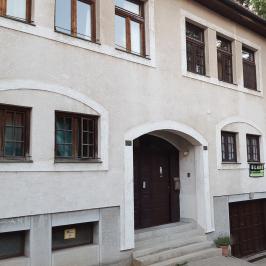 Eladó  téglalakás (Budapest, III. kerület) 129,9 M  Ft