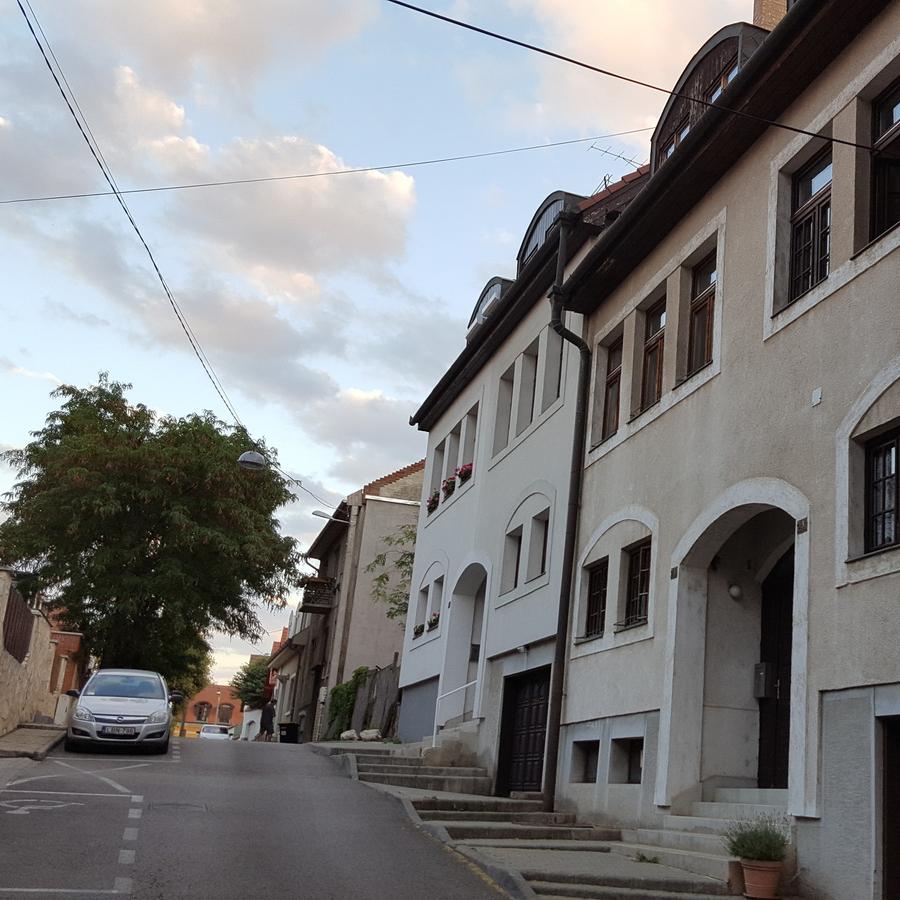 Eladó  irodaház (Budapest, III. kerület) 129,9 M  Ft