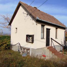 Eladó  családi ház (Budakalász) 15 M  Ft