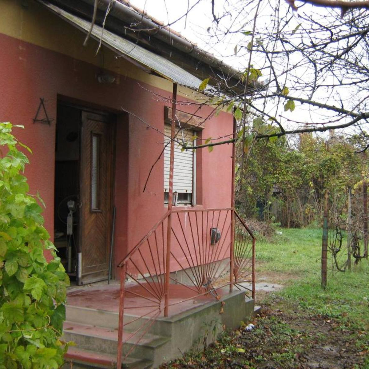 Eladó  családi ház (Szigethalom) 20 M  Ft