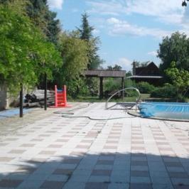 Eladó  családi ház (Velence, Magyarország, Bencehegy) 280 M  Ft