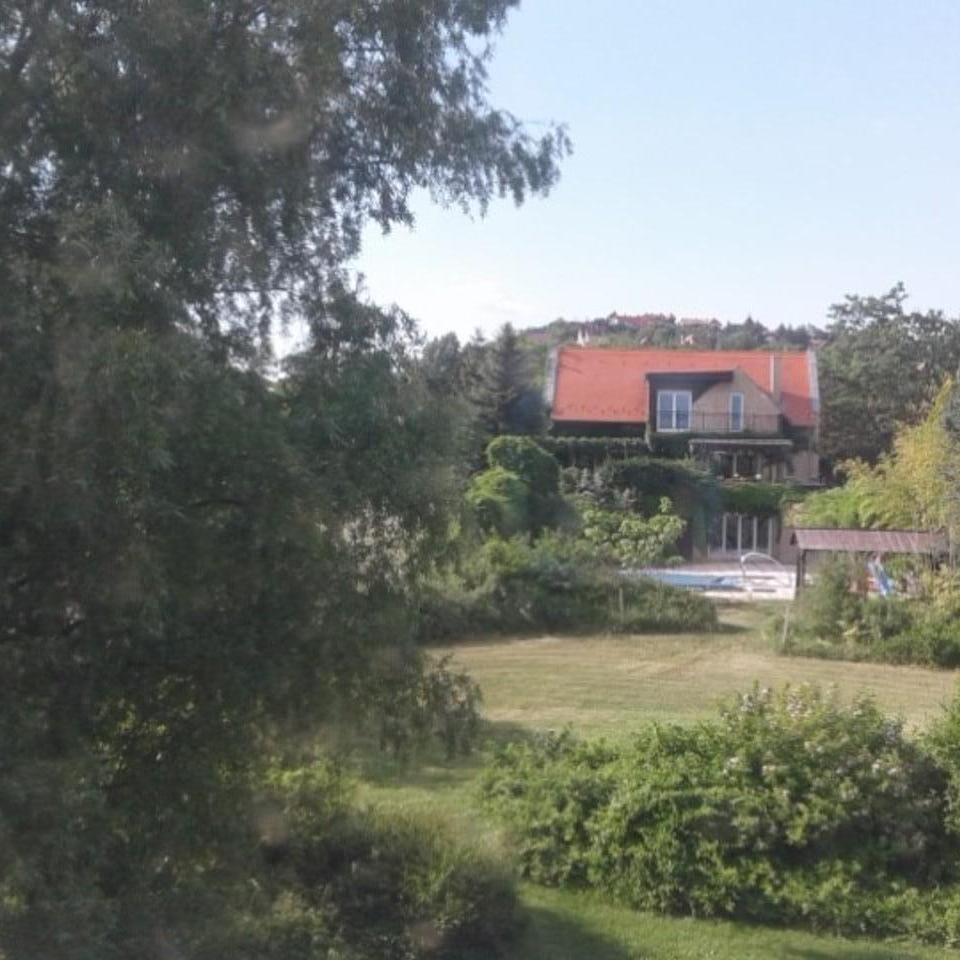 Eladó  családi ház (Velence, Magyarország) 280 M  Ft