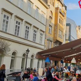 Kiadó  üzlethelyiség utcai bejáratos (Budapest, V. kerület) 160 E  Ft/hó +ÁFA