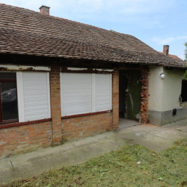 Eladó  családi ház (Kunszentmárton) 2,5 M  Ft