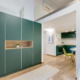 Eladó  téglalakás (Budapest, VI. kerület) 60,8 M  Ft