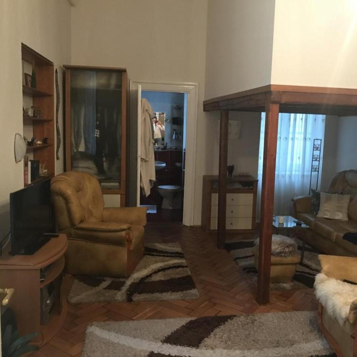 Eladó  téglalakás (Budapest, VI. kerület) 28 M  Ft
