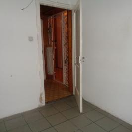 Eladó  üzlethelyiség utcai bejáratos (Nyíregyháza, Belváros) 12,9 M  Ft