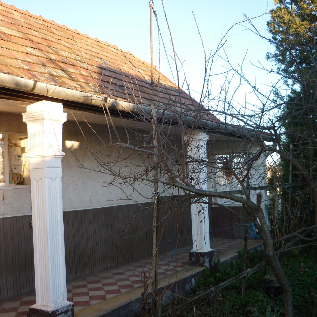Eladó  családi ház (Szentlőrinckáta) 7,5 M  Ft