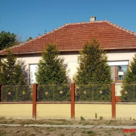 Eladó  családi ház (Lőkösháza) 6 M  Ft
