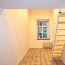 Eladó  téglalakás (Budapest, VI. kerület) 20,5 M  Ft