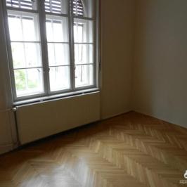 Eladó  téglalakás (Budapest, IV. kerület) 45 M  Ft