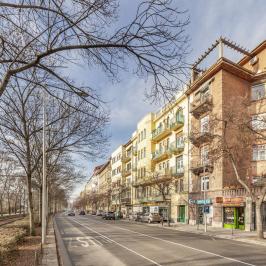 Eladó  téglalakás (Budapest, II. kerület) 129,9 M  Ft