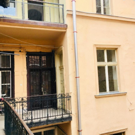 Eladó  téglalakás (Budapest, VI. kerület) 53,8 M  Ft