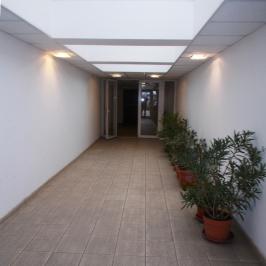 Eladó  téglalakás (Budapest, III. kerület) 47,9 M  Ft