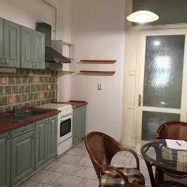 Eladó  téglalakás (Budapest, VI. kerület) 49,9 M  Ft