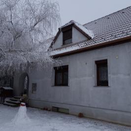 Eladó  családi ház (Erdőkertes) 40,5 M  Ft