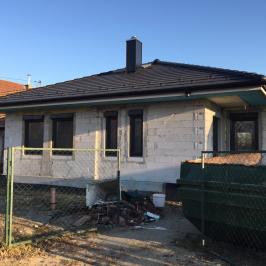 Eladó  családi ház (Dunaharaszti, Paradicsomsziget) 31,9 M  Ft