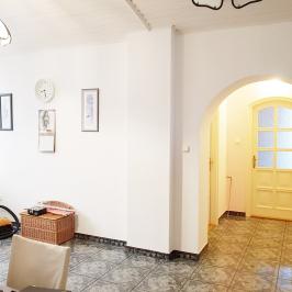 Eladó  iroda családi házban (Budapest, XIV. kerület) 140 M  Ft