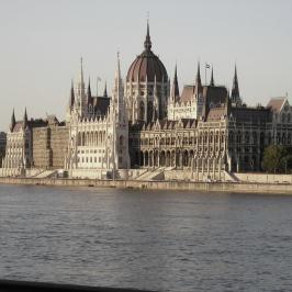 Eladó  téglalakás (Budapest, V. kerület) 135 M  Ft