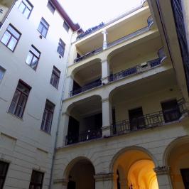 Eladó  téglalakás (Budapest, I. kerület) 64,9 M  Ft