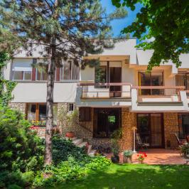 Eladó  családi ház (Budapest, III. kerület) 159 M  Ft