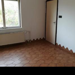 Eladó  családi ház (Perbál) 31,8 M  Ft