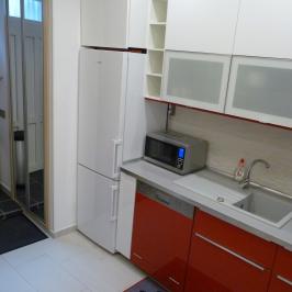 Eladó  téglalakás (Budapest, VI. kerület) 59,5 M  Ft
