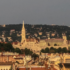 Eladó  téglalakás (Budapest, VI. kerület) 167,4 M  Ft