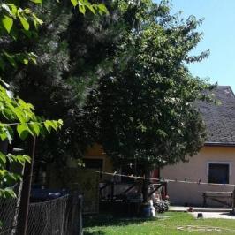 Eladó  családi ház (Erdőkertes) 26,5 M  Ft
