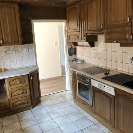 Eladó  családi ház (Paks, Óváros) 30 M  Ft