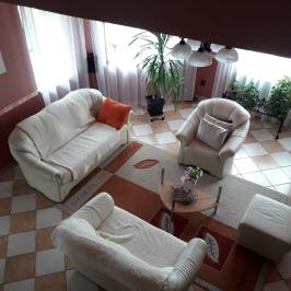 Eladó  családi ház (Erdőkertes) 41,5 M  Ft
