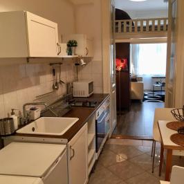 Eladó  téglalakás (Budapest, VI. kerület) 32,9 M  Ft