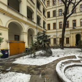 Eladó  téglalakás (Budapest, VI. kerület) 155 M  Ft