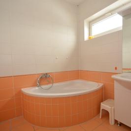 Eladó  ikerház (Debrecen, Csapókert) 39,99 M  Ft