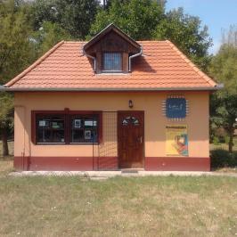 Eladó  üzlethelyiség utcai bejáratos (Battonya) 6 M  Ft