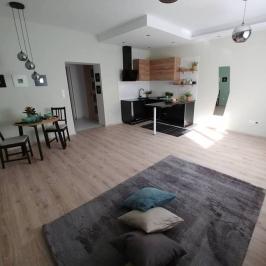 Eladó  téglalakás (Budapest, II. kerület) 45 M  Ft