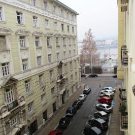 Kiadó  téglalakás (Budapest, V. kerület) 180 E  Ft/hó