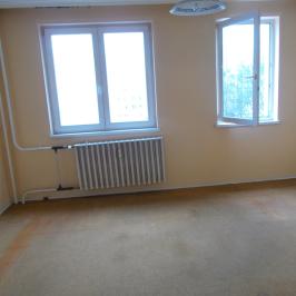 Eladó  panellakás (Budapest, III. kerület) 20,9 M  Ft