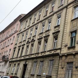 Eladó  téglalakás (Budapest, II. kerület) 84,5 M  Ft