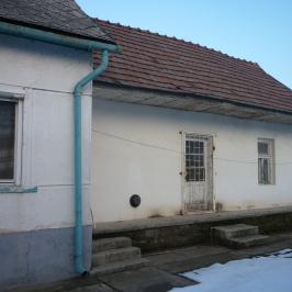 Eladó  családi ház (Szentlőrinckáta) 6,5 M  Ft