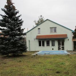 Eladó  családi ház (Göd, Nevelek) 27,9 M  Ft