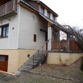 Eladó  családi ház (Csömör, Középhegy) 26,9 M  Ft