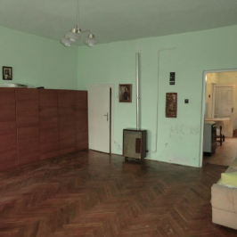 Eladó  családi ház (Mezőtúr, Központ közeli) 3 M  Ft