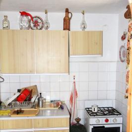 Eladó  családi ház (Dunaalmás) 20 M  Ft