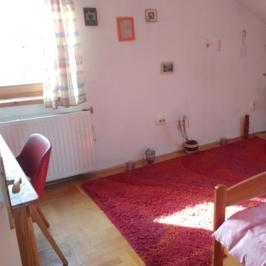 Eladó  családi ház (Budapest, III. kerület) 183 M  Ft