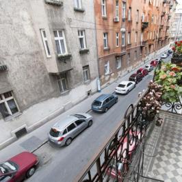 Eladó  téglalakás (Budapest, II. kerület) 46,8 M  Ft